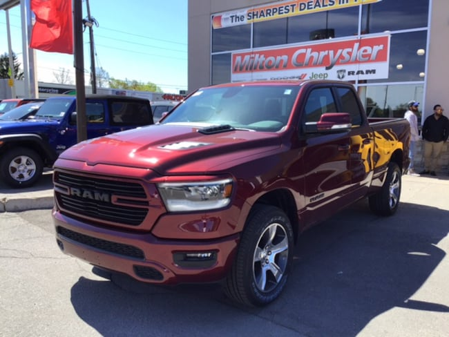 2019 Ram 1500 SPORT 4X4 / LEATHER / SPORT HOOD / HITCH Truck Quad Cab
