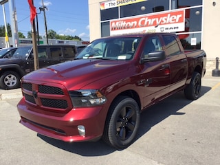 2019 Ram 1500 Classic CREW 4X4 EXPRESS BLACKOUT/BACK UP CAM Truck Crew Cab