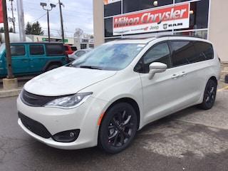 2019 Chrysler Pacifica LIMITED S PKG / TOW PKG / NAPPA LTHR / NAV / 20 SP Van