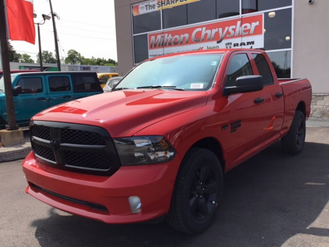 2019 Ram 1500 Classic EXPRESS 4X4 NIGHT EDITION/BACK UP CAM/BLUETOOTH Truck Quad Cab