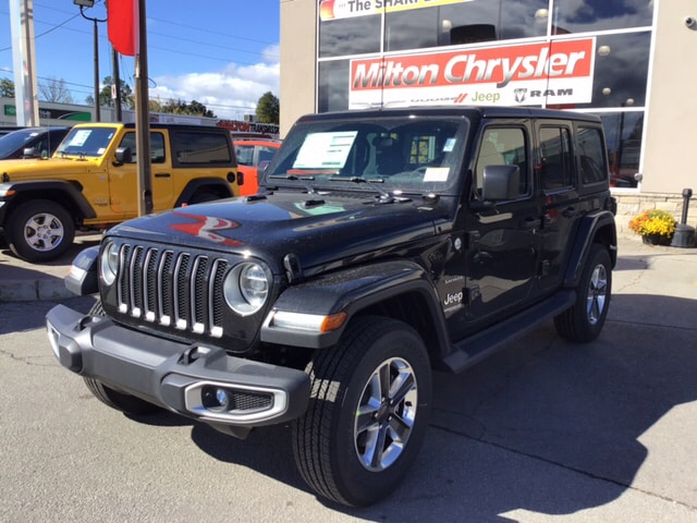 2018 Jeep All-New Wrangler UNLIMITED SAHARA / DUAL TOP / LED / TRAILER TOW / SUV