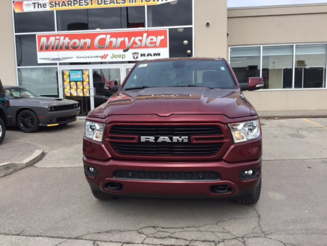 2019 Ram 1500 BIG HORN CREW 4X4 / OFF ROAD GRP. / LEVEL 2 / SPOR Truck Crew Cab