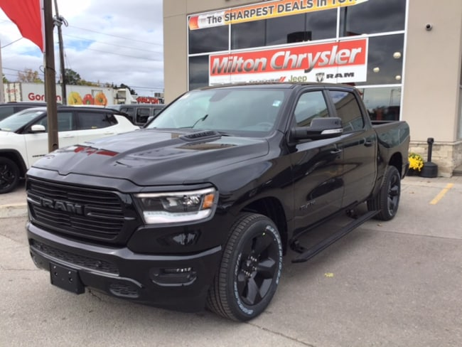 2019 Ram 1500 SPORT CREW 4X4 /LEATHER/PANO ROOF/NAV/POWER BOARDS Truck Crew Cab