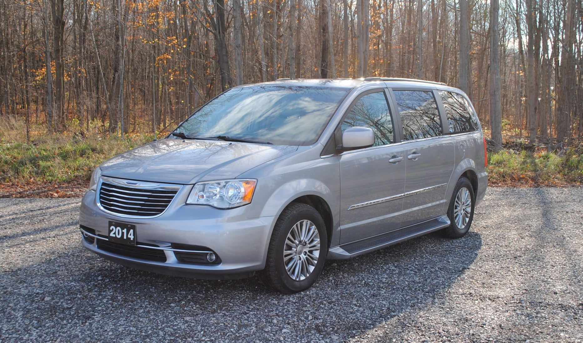 Used 2014 Chrysler Town/Country Tour-L For Sale at
