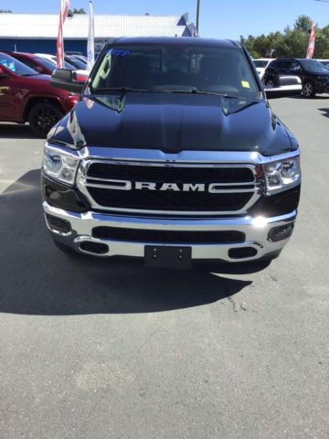 2019 Ram All-New 1500 SXT CREW CAB PICKUP