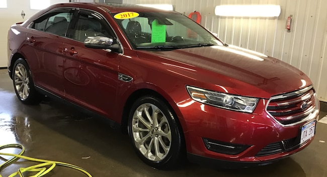 2017 Ford Taurus Limited SEDAN .