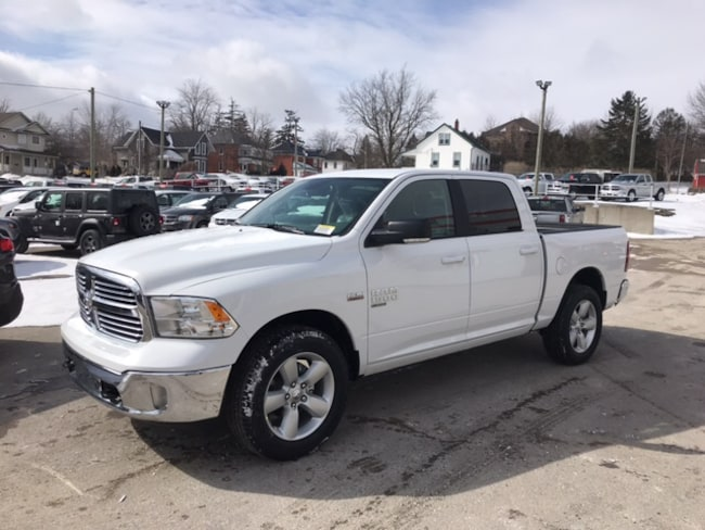 2019 Ram 1500 Classic SLT | Premium Cloth Bucket Seats | Heated Seats |  Truck Crew Cab