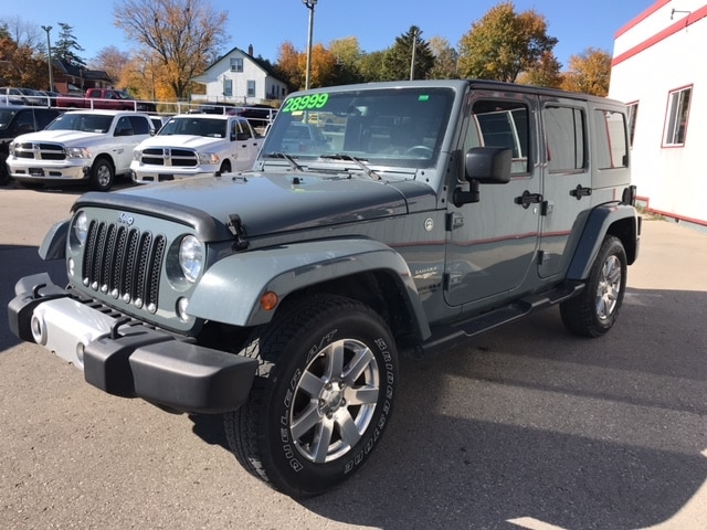 2015 Jeep Wrangler Unlimited Sahara | Dual Top | Automatic |Remote Start | SUV