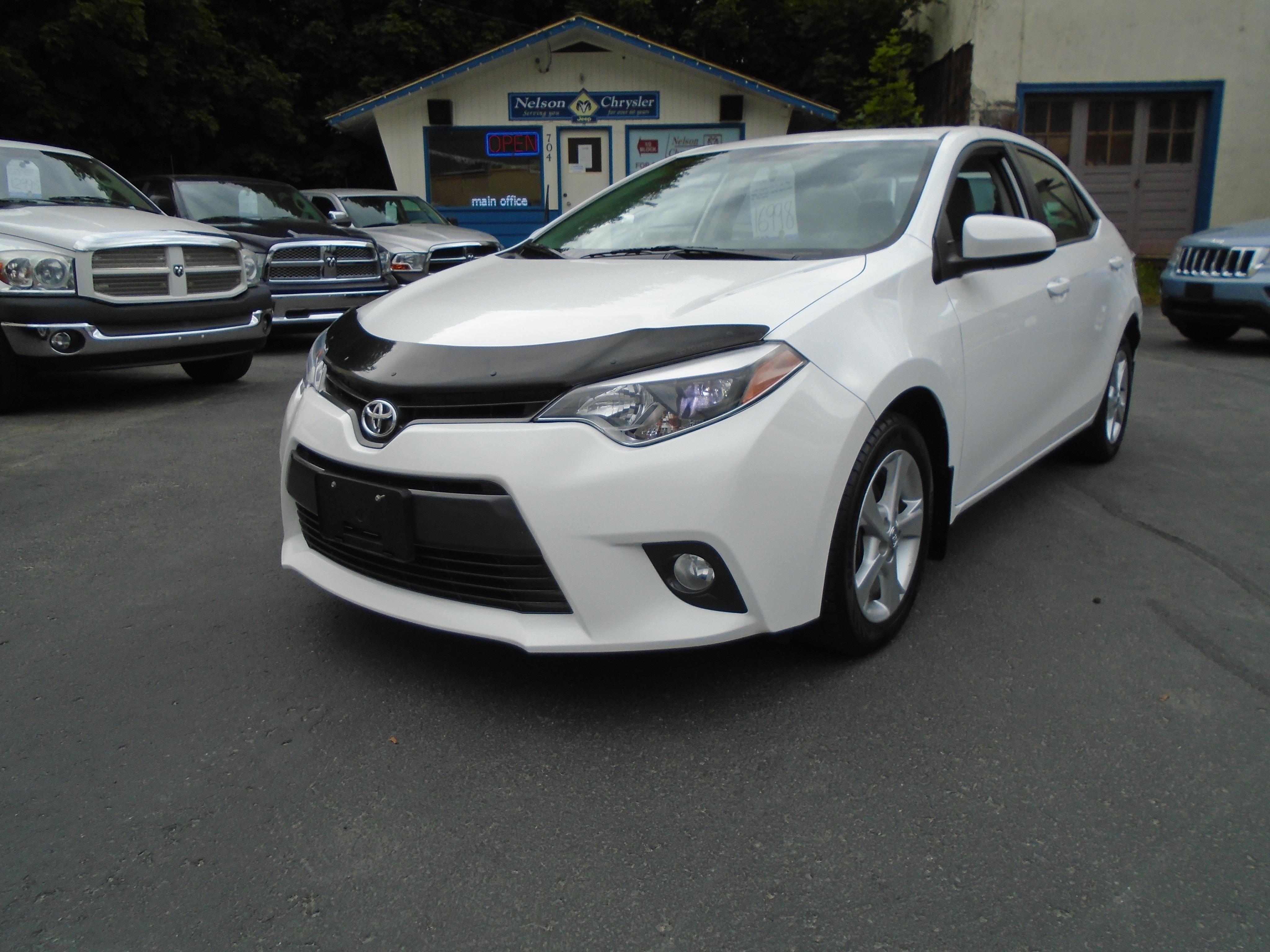 2016 Toyota Corolla LE, SUNROOF, HEATED SEATS, Sedan
