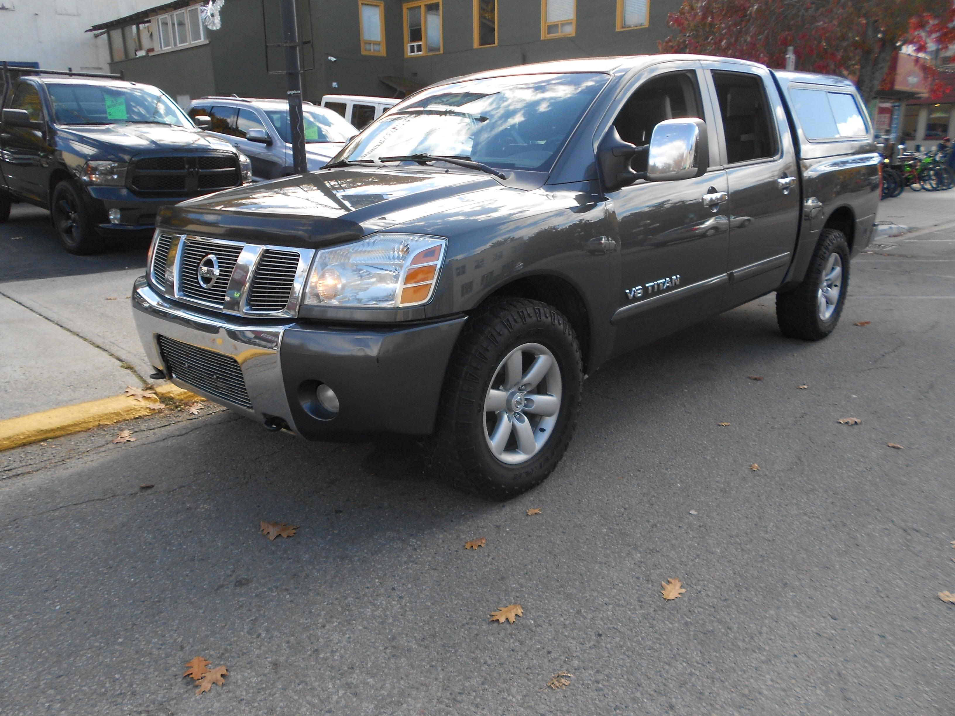 2006 Nissan Titan LE Sunroof, leather, Cabine Crew