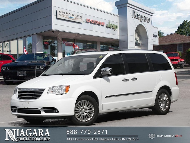 2015 Chrysler Town & Country Platinum
