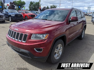 2014 Jeep Grand Cherokee Laredo , NON-Smoking, ONE Owner, Well-Serviced, SUV