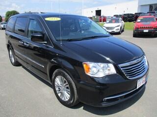 2016 Chrysler Town & Country Touring-L Van