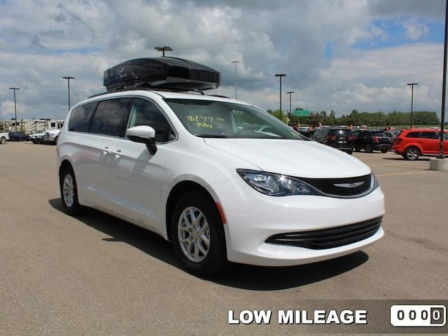 2017 Chrysler Pacifica LX - Bluetooth - Low Mileage Van