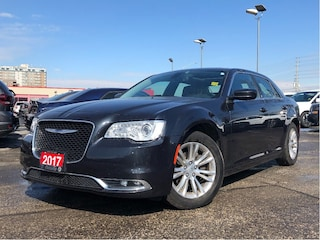 2017 Chrysler 300 Touring**Leather**Pano Sunroof**NAV**Back UP CAM** Sedan