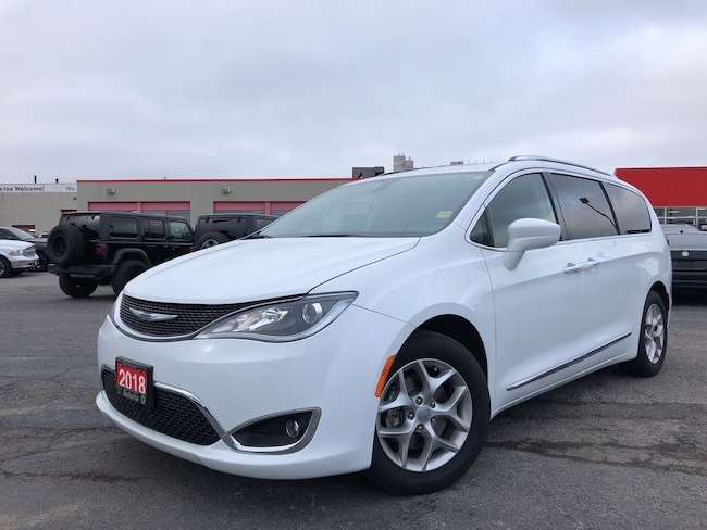 2018 Chrysler Pacifica Touring-L Plus**Leather**DVD**Sunroof**Bluetooth**