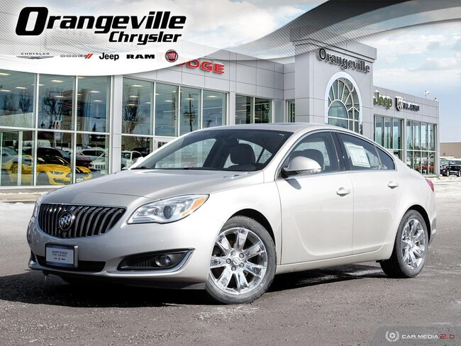 2015 Buick Regal Premium I, AWD, NAV, Roof, 1-Owner, Clean! Sedan