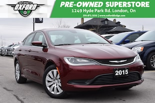 2015 Chrysler 200 LX - FWD, Extremely Low Kms Sedan
