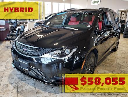 New 2020 Chrysler Pacifica Hybrid Limited Van for sale in Penticton, BC for sale in in Penticton, BC