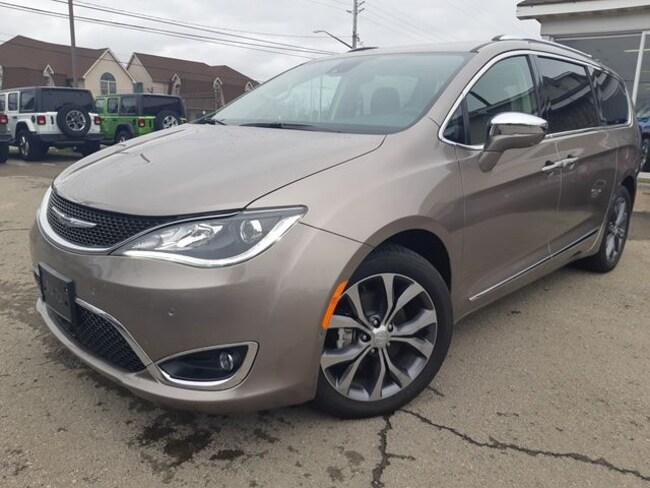 2018 Chrysler Pacifica Limited Minivan