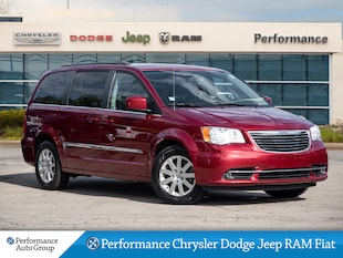 2016 Chrysler Town & Country *Touring * Stow N GO * Heated Seats*