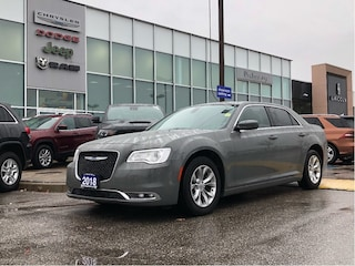 2018 Chrysler 300 Touring**Loaded AND Priced TO Sell!** Hand Picked Berline