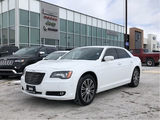 2013 Chrysler 300 AWD, SAFETYTEC PANOROOF NAVI H-TED WHEEL Berline