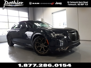 2017 Chrysler 300 S | LEATHER | HEATED SEATS | REAR CAMERA | Sedan