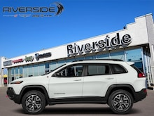 2018 Jeep Cherokee Trailhawk Leather Plus - Leather Seats - $250 B/W SUV