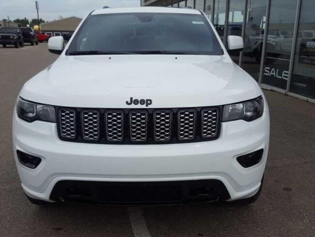 2020 Jeep Grand Cherokee Altitude - Sunroof - $273 B/W SUV