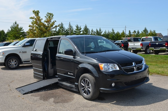 Used 2017 Dodge Grand Caravan SXT Premium Plus Braun Mobility Side Entry Power I Minivan in Windsor