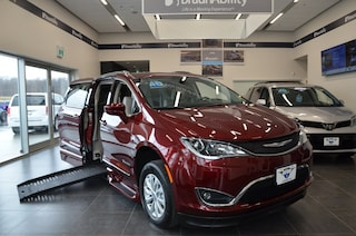 2019 Chrysler Pacifica Touring L Braun Mobility Van Provincial Braun Deal Minivan Braun Mobility