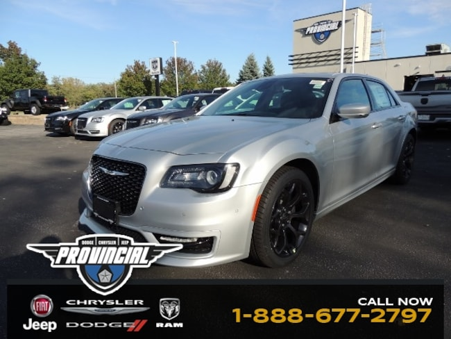 New 2019 Chrysler 300 S Windsor Best Deal Dealer Sedan 2C3CCABG4KH731070 191457 in Windsor, Ontario near LaSalle