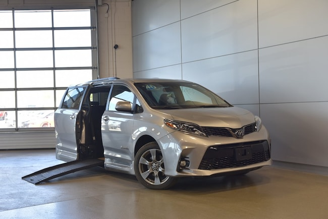 Used 2018 Toyota Sienna SE Wheelchair Mobility Conversion Van Provincial B Minivan Braun Mobility in Windsor