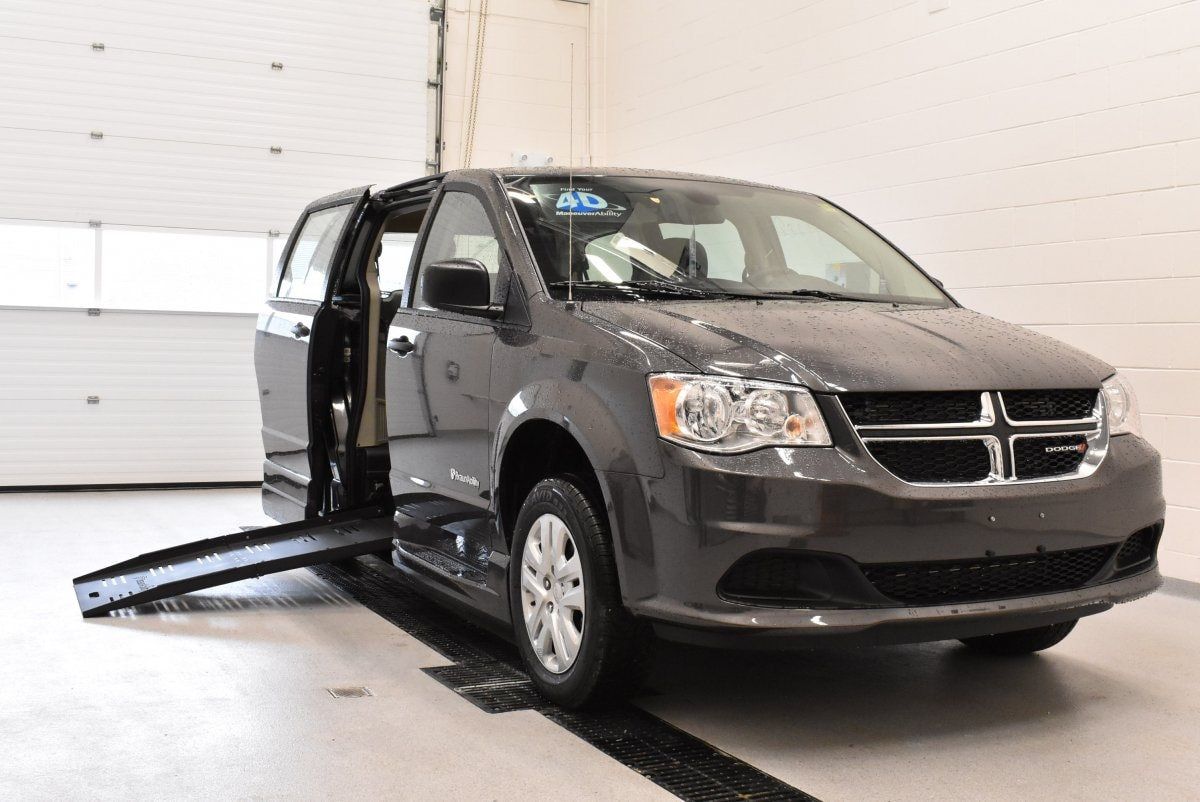 Certified Used 2019 Dodge Grand Caravan Wheelchair Conversion Van By Braun For Sale | Windsor ON | Vin: