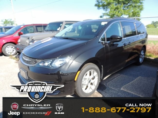 New 2019 Chrysler Pacifica Touring Van 2C4RC1DG4KR653256 190651 dealer in Windsor, Ontario - inventory