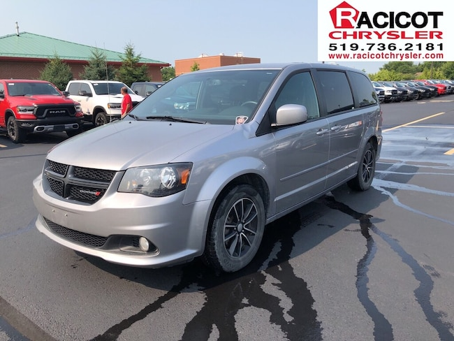 2017 Dodge Grand Caravan SXT Blacktop Van