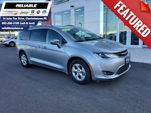 2017 Chrysler Pacifica Touring-L Plus | Remote start - Leather-heated sea Van