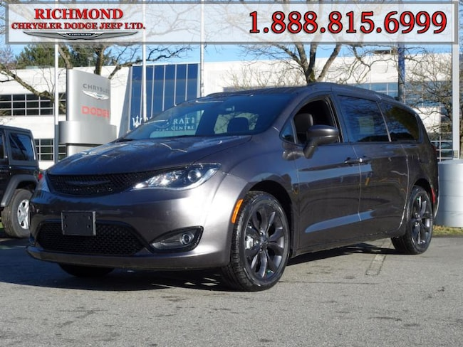 New 2020 Chrysler Pacifica Touring-L Van For Sale in Richmond, BC
