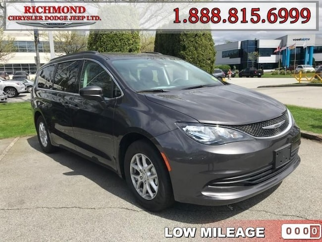 New 2017 Chrysler Pacifica LX Van Passenger Van For Sale in Richmond, BC