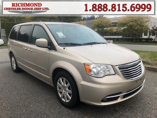 Used 2013 Chrysler Town & Country Touring Van for sale in Richmond, BC, near Vancouver