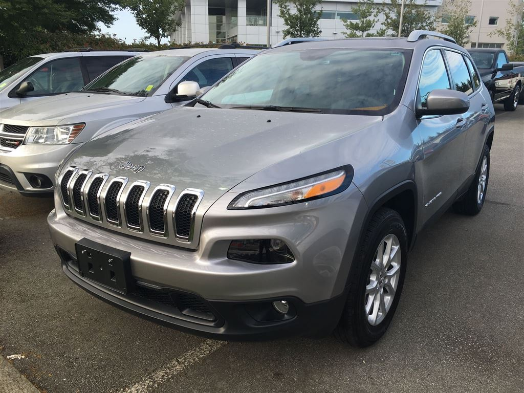 2016 Jeep Cherokee North Demo SUV