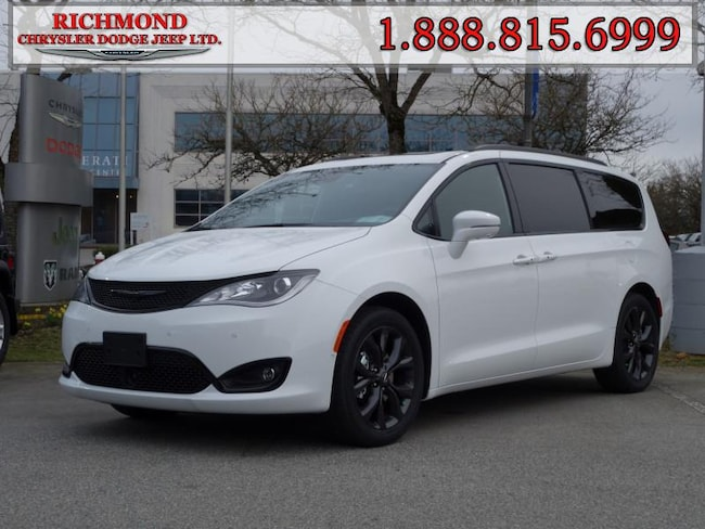 New 2020 Chrysler Pacifica Limited Van For Sale in Richmond, BC