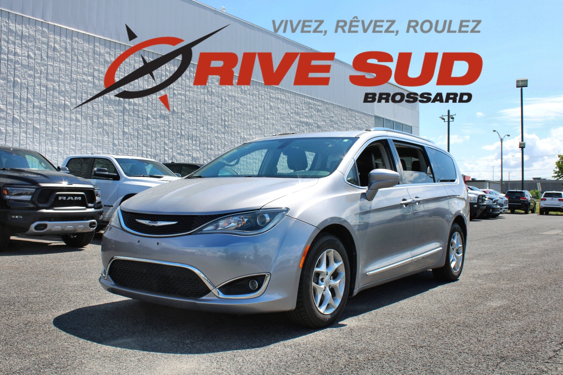 Chrysler Pacifica TOURING-L CUIR DVD ANGLE MORT 2017