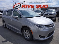 2020 Chrysler Pacifica Hybrid Touring Van