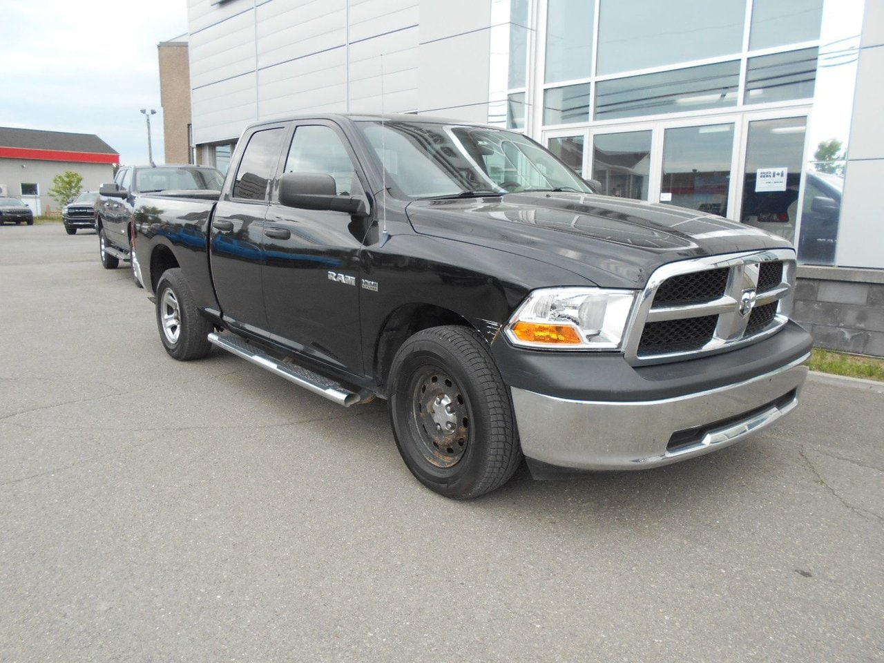 2010 Dodge Ram 1500  SXT Quad Cab 4x4 Pickup - Double Cab