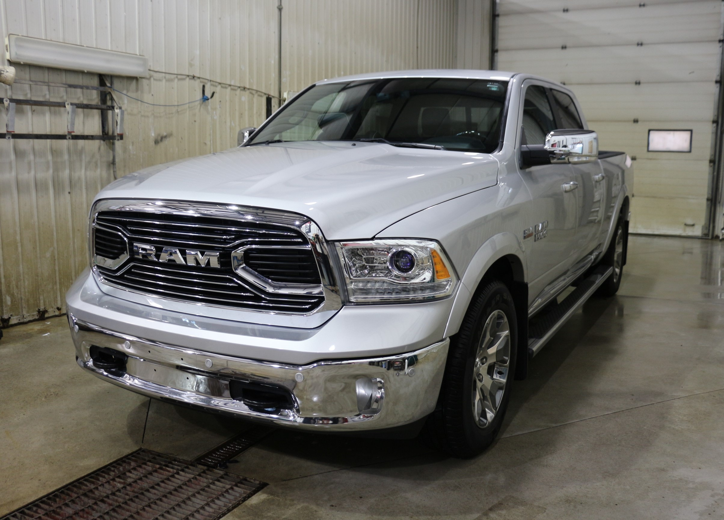 2017 Ram 1500 Longhorn Limited Crew Cab 4x4 Pickup Truck