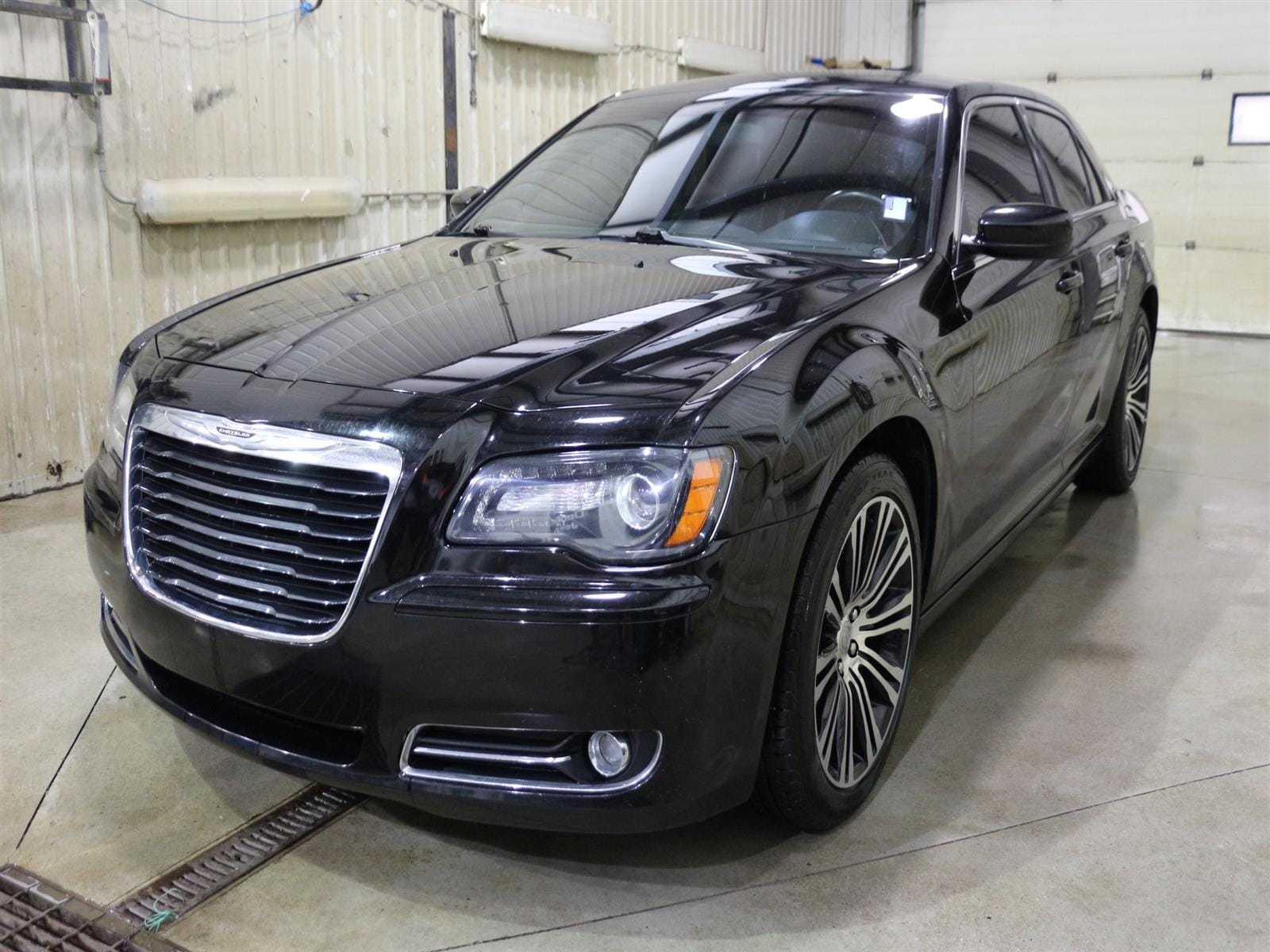 2013 Chrysler 300 S RWD Sedan