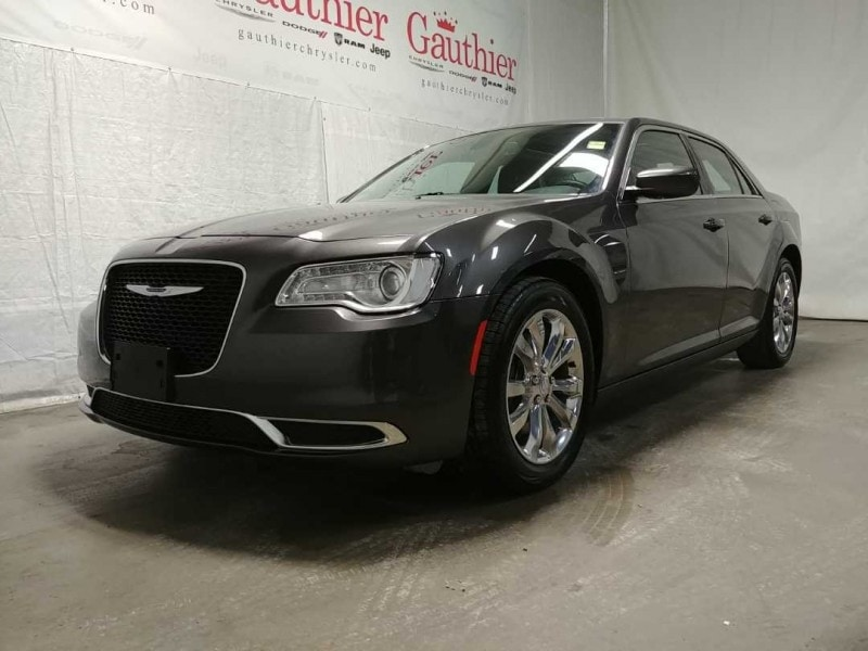 2017 Chrysler 300 Touring - Bluetooth -  Siriusxm Sedan