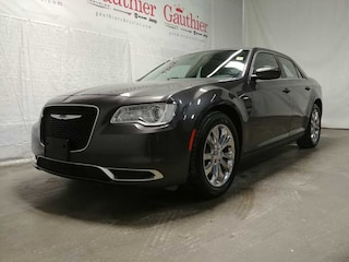 Used 2017 Chrysler 300 Touring - Bluetooth -  Siriusxm Sedan R12445 for sale in Winnipeg, MB
